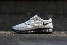Nike has unveiled a futuristic colorway for its Nike Free Run 2 silhouette. Moving away from boldcolorsthataccentuate its unique lines, as well as hits of suede for the fall season, this new rel...