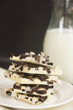 Cookies and Cream Oreo Chocolate Bark