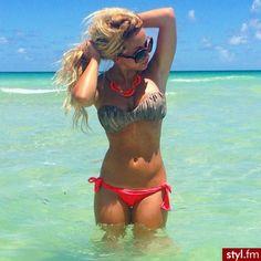 Summer bikinis and tan lines!!! ☀️❤️