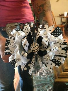 Fun volleyball bow!