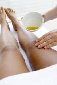 Extraordinary Home Remedies for Cellulite with Castor Oil. If you are trying pneumatic massages, heat therapy, ultrasound, radio frequency therapy, magnetic therapy, radial waves therapy, electrical stimulation but nothing works, you can try a natural remedy with castor oil.