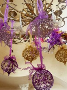 * diy ideas, christma chandeli, diy crafts, chandeliers, christma decor, ribbon, ornament, light fittings, the holiday