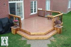 1-level, medium size deck with planters and a bench (#1R7041).