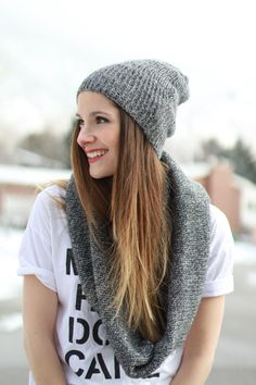 DIY: beanie and infinity scarf from sweater