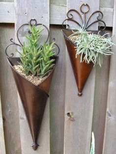 love this for fence decoration