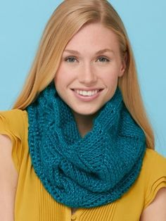 Yarnspirations.com+-Twist'n Shout, free cowl pattern
