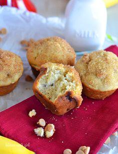 Bakery-Style Banana Muffins on MyRecipeMagic.com