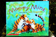 Read Aloud Mommy Mine sweet Mother's Day book.