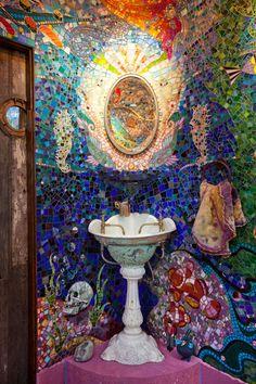 Granny's Cottage / Gaudi Submarine