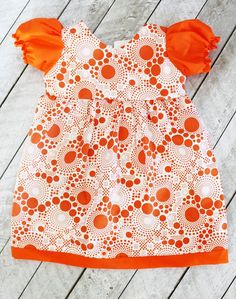 FREE puff Sleeve Toddler Dress Pattern (2T) and Tutorial