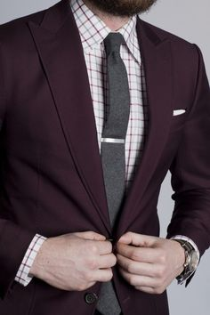 Business casual style - office wear - burgundy slim fit blazer + burgundy gingham shirt + dark gray knitted tight tie + white pocket square + silver tie clip