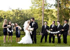 cute bridal party picture idea!!!