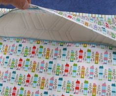 lapped zipper closure for pillows.