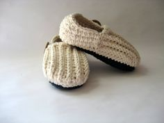 Crochet Boys/ Girls LoafersSlippers in sizes by CupCakeCutiesshop, $18.00