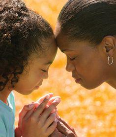 mother-daughter-praying