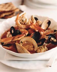 christmas dinners, christmas dinner recipes, seafood recipes, crab cioppino, dung crab