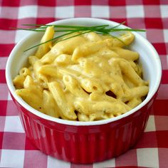 Quick and Easy Stovetop Mac and Cheese - If your mac & cheese comes from a box on the supermarket shelf and glows like a neon orange radioactive waste dump, it's time to change your ways and discover something immeasurably better. What we love about this great basic recipe is the number of flavour combinations possible just by switching up the type of cheese and adding a different herb, spice or other flavour element. White Cheddar & Chipotle, Monterey Jack & Jalapeno; imagine the possibilities.