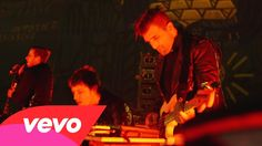 """Foster The People performing """"Pseudologia Fantastica"""" from their show in LA"""