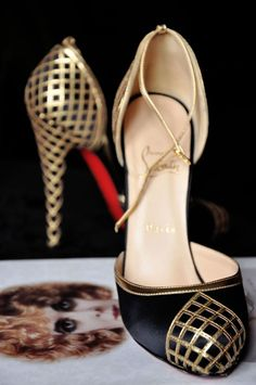 Love how elegant yet timeless these gold and black Louboutins are #wedding #shoes #gold #goldwedding #goldblack