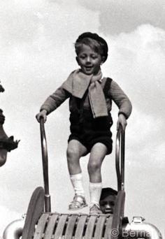Children Playing Paris 1939-1945