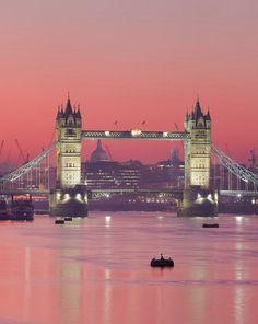 #TowerBridge #night #London  http://www.come2england.com/