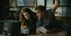 Anne Hathaway and Jake Gyllenhaal in Love & Other Drugs