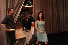 """VEEP"" Star Julia Louis-Dreyfus Makes Her Way Offstage"