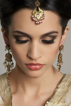 Bengali bride makeup on pinterest simple makeup the for Aaina beauty salon