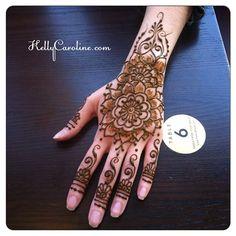 Henna had design tat