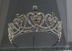 Cartier 1909, Countess Moy's Tiara. Platinum and diamonds. (Doha, Qatar Museum Authority)