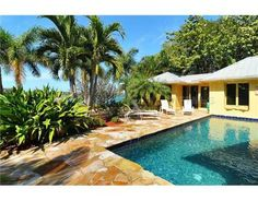 Luxury Homes for Sale in Sarasota, Florida, Waterfront Properties, Beach Homes, and Sarasota Real Estate Investments - www.TrueSarasota.com