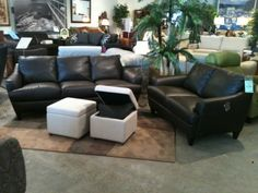 Very nice and comfortable leather sofas by Natuzzi Editions. www.furnituredivano.com