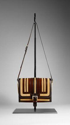 women bags, fashion bags, burberri, designer handbags, burberry handbags, women accessories, crossbodi bag, leather bags, clutch bags