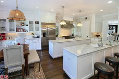Haylie Duff's House For Sale (double island kitchen)
