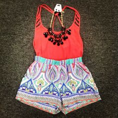 print shorts, tribal short, outfit, bright colors