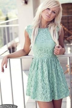 this is such a feminine look! love it