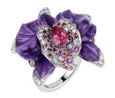 Caresse d'Orchidées par Cartier ring. White gold, sculpted charoite, tourmalines, amethysts, pink sapphires, diamonds. PHOTO: Vincent Wulveryck © Cartier 2011