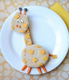 A silly giraffe sandwich that your kiddos will go wild for!
