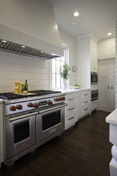 artsy kitchen   Daily Dream Decor