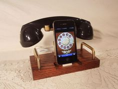 Retro charger for iPhone | OmoshiroiTV
