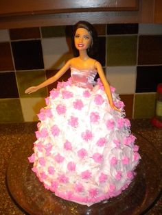 How to Make a Barbie Cake That Will Put the Cake Boss to Shame  at AimingLow