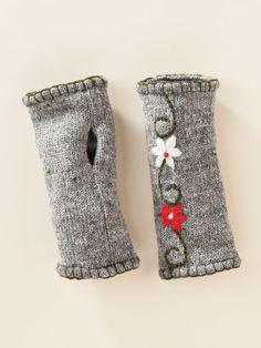 Totally cute Flora Fingerless Gloves from @sahaliecatalog