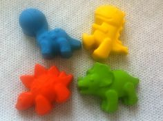 Dinosaur Crayons - cute favor, but would the kids just try to eat them?