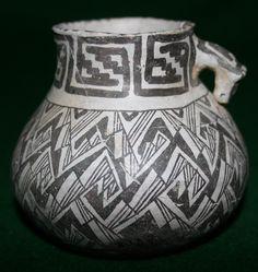 Tularosa Black-on-White