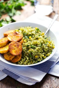 Green Mexican Rice with Corn -  the perfect simple summer side! 240 calories. | from @Krystal Bennett of Yum