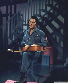 Elvis - guitar man 1968 in denim