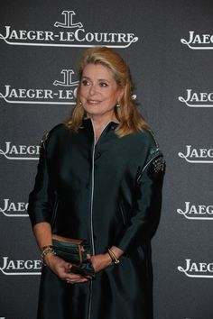 Catherine Deneuve a Duoplan timepiece with cover on her wrist, Jaeger-LeCoultre Gala Dinner, Venice, 4th September