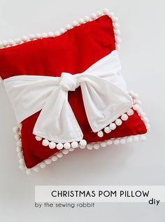 pillow diy, christma pom, pillow christmas, idea, pom poms, craftahol anonym, diy christmas pillow covers, pom pillow, pillows