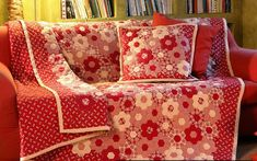 red and white hexies ---this, I did not think of. J'adore.