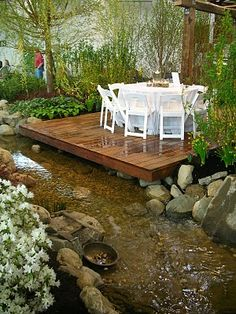 Garden Thyme with the Creative Gardener: The Indianapolis Flower and Patio Show Something like this in the front with the slope we have would be GREAT!